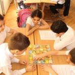 Uşaqların Beynəlxalq Müdafiəsi Günündə şagirdlərlə stolüstü oyunlar